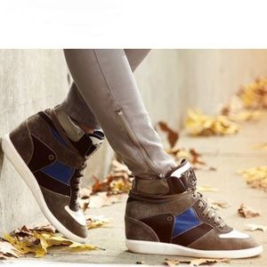 MICHAEL KORS NIKKO LEATHER HIGH TOP SNEAKERS